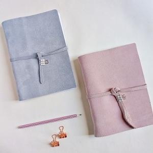 cuaderno celeste pastel