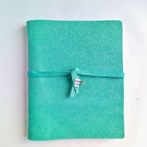 cuaderno cosido a mano